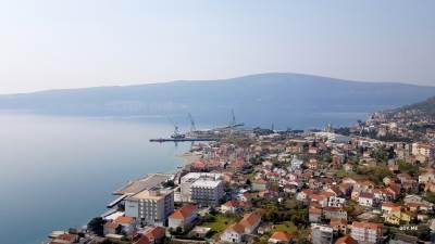 Bijela, panorama, brodogradilište
