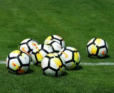 Fudbal pokrivalica, fudbalske lopte